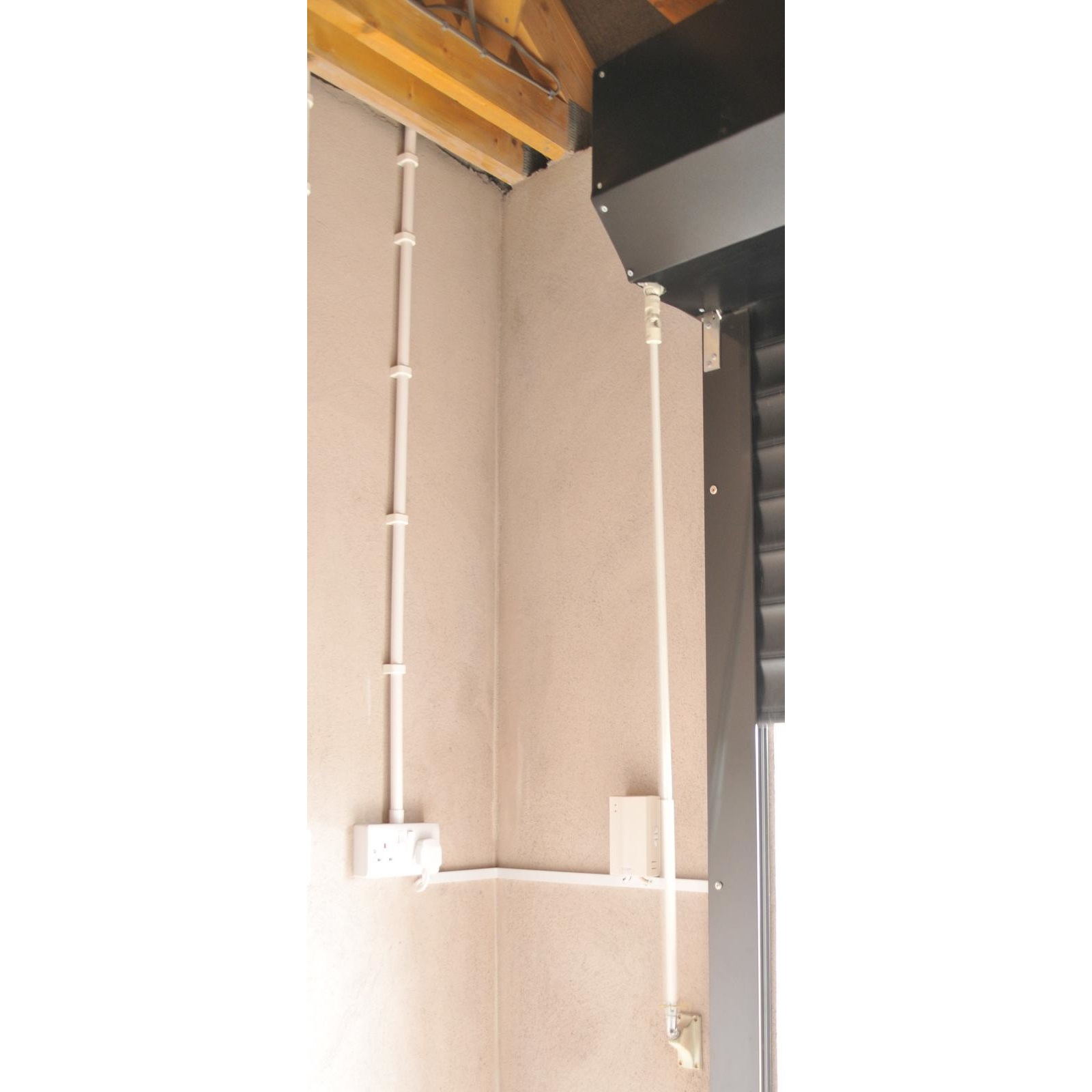 Canopy Option with Insulated Roller Door